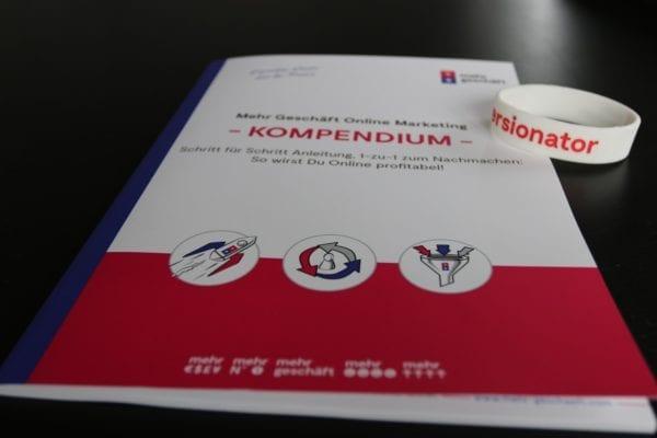 Online Marketing Kompendium Buch Mehr Geschäft Buch Armband